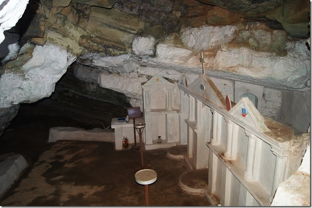 1 ae felotti cave church