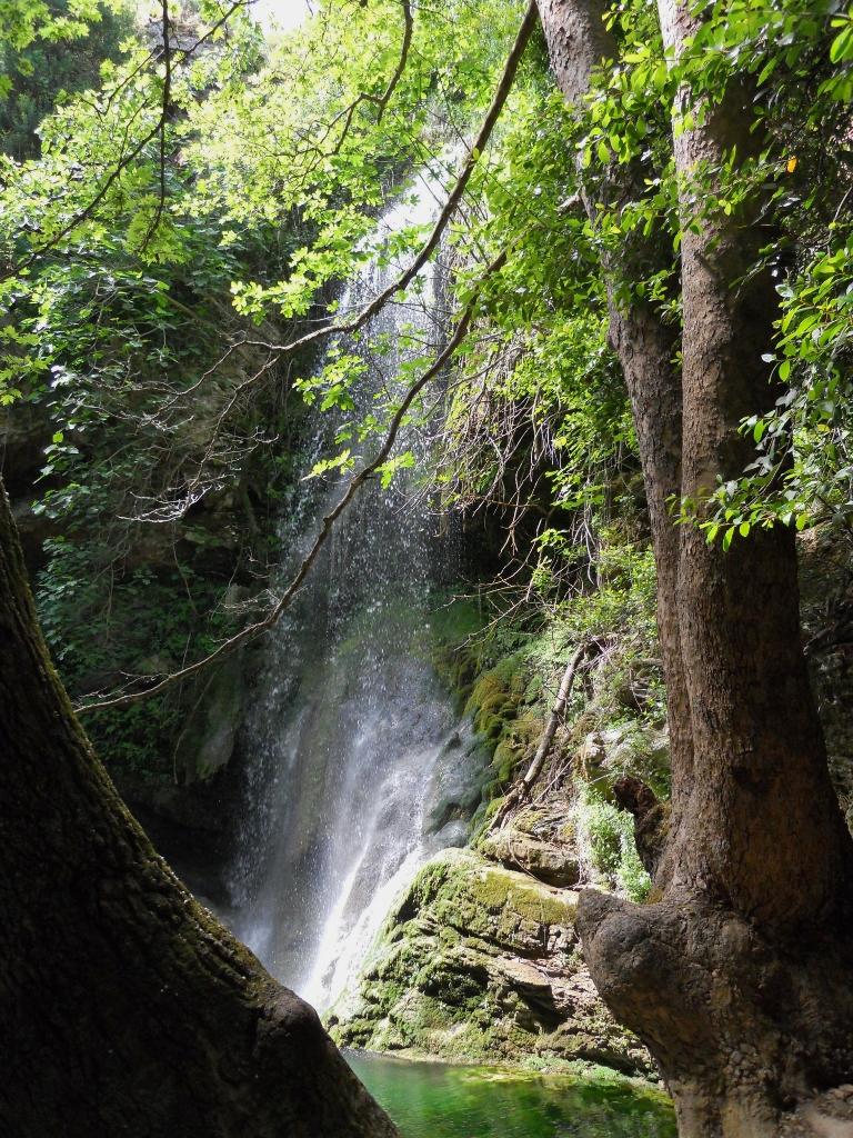 Bij de watervallen en watermolens in Milopotamos. Een plek waar je nooit genoeg van kunt krijgen. De foto is van Christina.